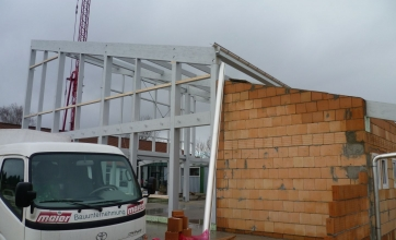 Neubau einer Ausstellungshalle mit Gastronomie in Türkheim